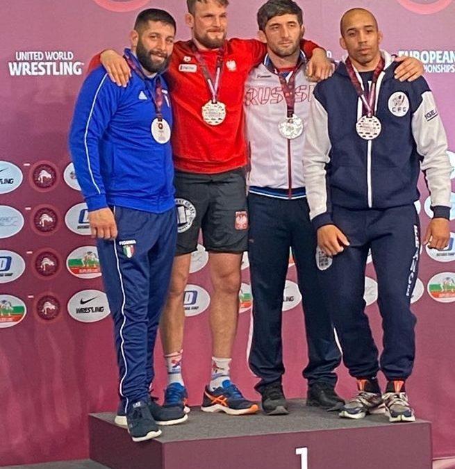 Guglielmo Cecca medaglia d'argento agli Europei UWW